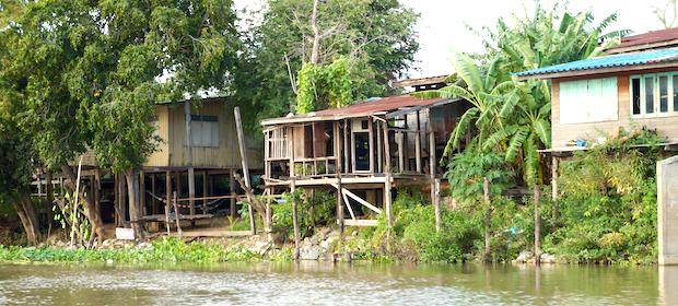 Flussfahrt mit dem Boot