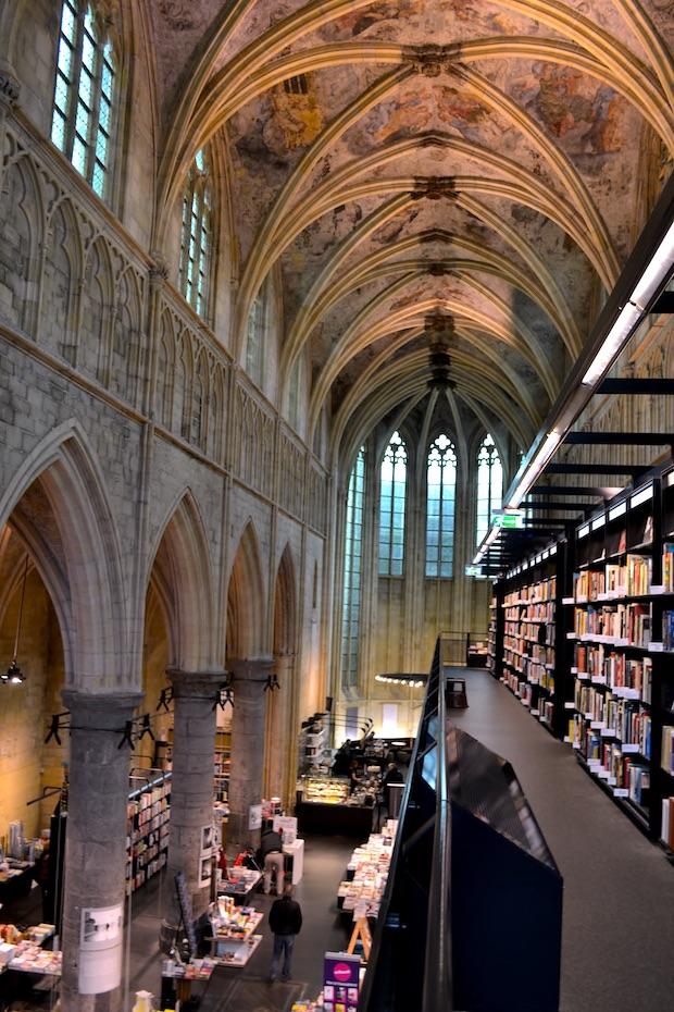 Kirche Buecherrei Maastricht